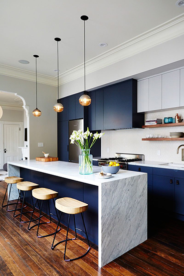 Trends 2018 Navy Blue and Gold Color Scheme