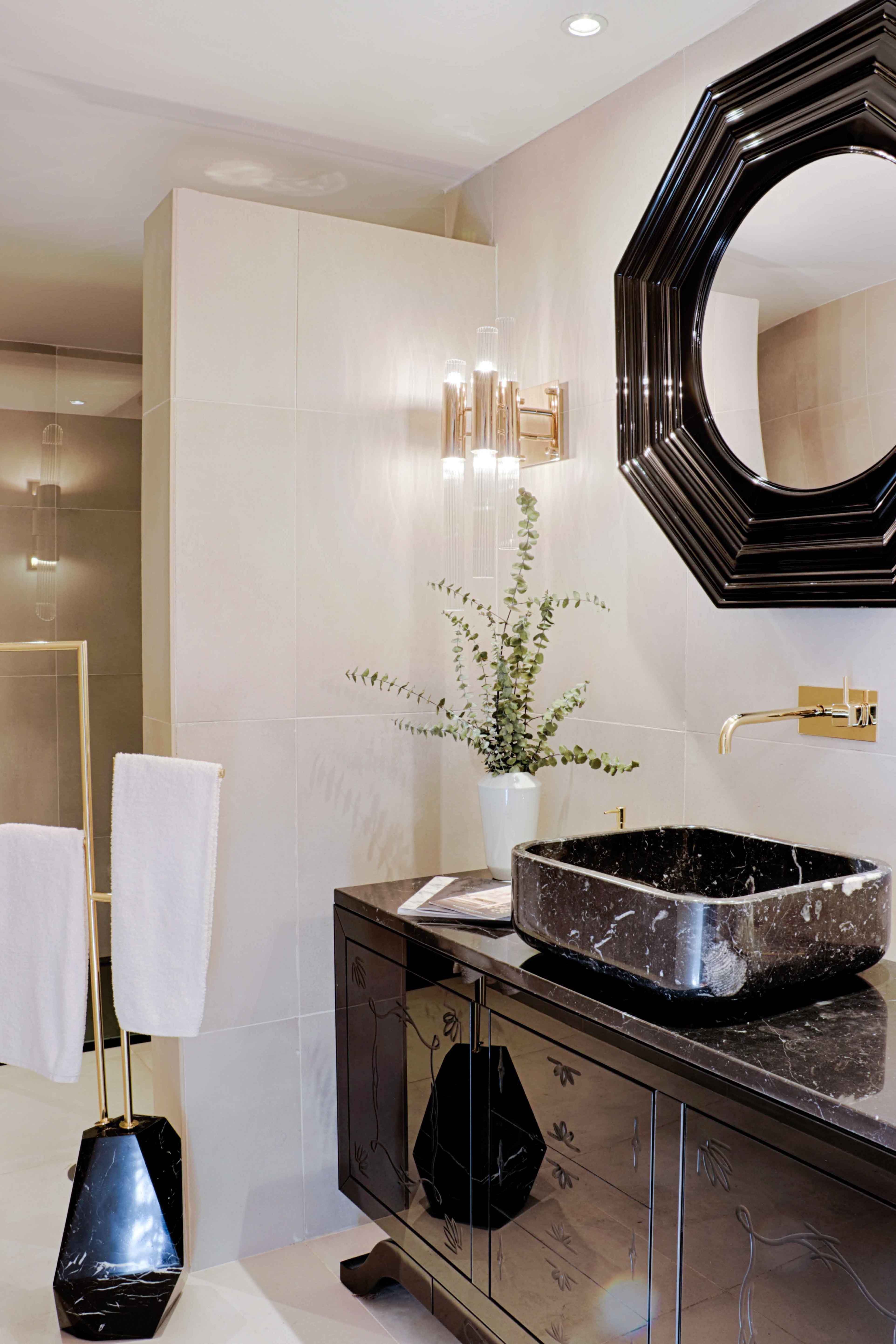 5 Interior Decor Tips For Small Bathrooms